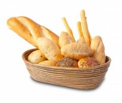 cesta di pane con filoni e pagnotte