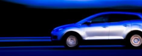 auto che corre, auto veloce, bella macchina
