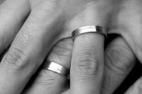 anelli al dito, fedi nuziali