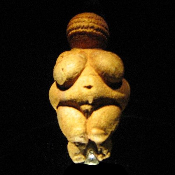 venere di Willendorf, statuetta che rappresenta la Grande Madre